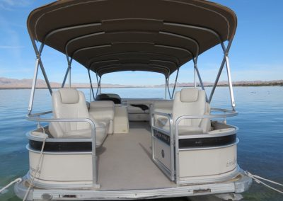 Premier Pontoon 90hp Interier 3